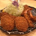 豚肉料理専門店 とんかつのり - とんかつのり盛り(ヒレかつ + メンチカツ2個 + エビフライ2本 + ロースかつ)