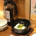 Komefuku - お通し 湯豆腐