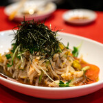 生駒 - 2020.3 もやし・カイワレ・海苔のサラダ(680円)