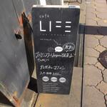 cafe LIFE the organic - 歩道の看板①