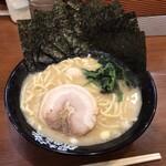 横浜家系ラーメン 町田商店 - ラーメンのり増し 700円+100円