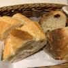 ラ ポルトルージュ - 料理写真:パンはあったかい!