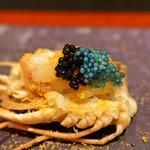 4000 Chinese Restaurant - キャビアと赤座海老の卵をのせた赤座海老