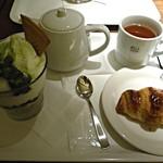 12816293 - 紅茶・チョコクロ・抹茶パフェ