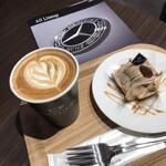 ダウンステアーズコーヒー - フレンチ モンブランとコーヒー