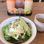 レストラン せんごく - 会員無料のサラダとスープ