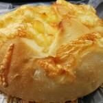 さくらパン工房 - 料理写真:チーズ。