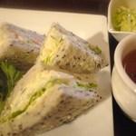 喫茶 神戸館 - ポテサラサンドランチ