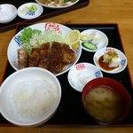七輪焼き うまいもん処 信濃坂 - 冨士桜ポークかつ定食