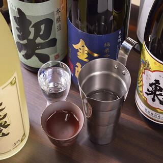 和食料理と相性の良い厳選した日本酒を各種取り揃えています。