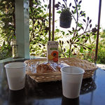 洋菓子とパンのアトリエ マミス - テラスでお茶をしました
