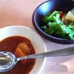 キッチンつばさ - カレー サラダ