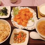 Tenshinhanten - Bランチ