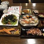 128188831 - 特上寿司+梅巻き、海藻サラダ、タコの唐揚げ、真イカ一夜干、紅鮭ハラス焼