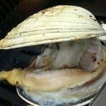 味楽来 - 大アサリ480円也。口が開いたら、ハサミで切る。酢と醬油をかけて食べる。