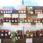 12821289 - 店内には蜂蜜がいっぱい!