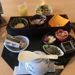 うみてらす名立 ホテル光鱗 - 料理写真:朝食