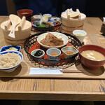 イナズマ お米研究所 - 豚肩ロースの柔らか生姜焼き定食