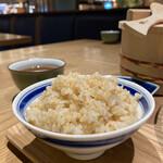 イナズマ お米研究所 - 白米か玄米が選べる