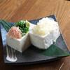 砂屋 - 料理写真:地元のお豆腐屋さんのお豆腐です。トッピングが2種類で楽しめます。