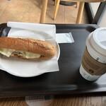 スターバックス・コーヒー - 料理写真:きのこ&モッツァレラ石窯フィローネ+ブレンドのtall