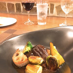 サカナザ・マエダ - 牛ほほ肉の赤ワイン煮込み こんなに重たくない牛ほほの赤ワイン煮って初めて食べたかも(*゚∀゚*)