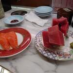 市場 いちばん寿司 - サーモンとマグロの裏巻き