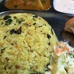 インド料理 MUTHU - レモンライス プチプチした食感と爽やかな酸味とスパイス
