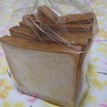 12824224 - ヨーグルト食パン。