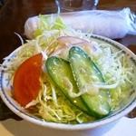 レストラン くるる - ミックスグリルセットのサラダ