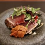 128251827 - 藁燻製カツオのカルパッチョ・北海道産雲丹
