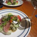 128255383 - (前菜)魚介のフィルドメールサラダ