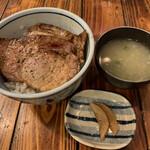 いさりび - 炭焼豚丼 味噌汁付 500円税込