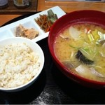 美噌元 - 季節の豚汁と焼き鮭のセット880円