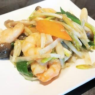 四川料理 シュン - 海老とうるいの醤油炒め