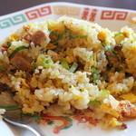 角煮ラーメングー - 半チャ-ハンセットのチャ-ハン。写真を撮るのを忘れ、思わず食べてしまいました。