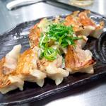 麺屋 九秀 - 一口焼餃子、350円。