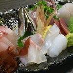 和さび地魚料理 - 本日のお造り盛り合わせ(二人前)