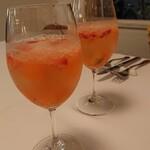 タンボラーダ - ドリンク写真:乾杯はノンアルコールのサングリア  フルーツがごろごろで美味しかった