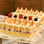 フライヤーズテーブル - 苺ショ-トケ-キ@ホテルらしい上品なショートケーキ