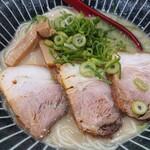 朱うさぎ - 料理写真:とんこつラーメン