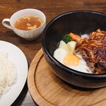 コーヒーサロン ミヤビ - 石焼きハンバーグセット