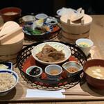 イナズマ お米研究所 - 豚肩ロースやからか生姜焼き定食
