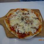 DainingRocco - 3種のきのこのピザ