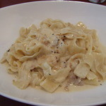 12829955 - 自家製パンチェッタのカルボナーラ(平麺)大盛り@1100円