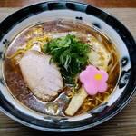 中華そば 富いち - 料理写真:富いちの旭川醤油   700円