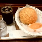 HOKUO - HOKUO@海老名店 紅茶メロンパン、クルミカマンベール、オーガニックアイスコーヒー(200円+190円+220円)