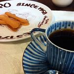 12830524 - コーヒーとビスケットです。