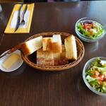 ブラッセリー・ヴァトゥ - 美味しいパンとバター