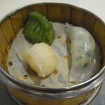 香港GARDEN - エビ蒸し餃子、韮と海鮮の翡翠餃子、海鮮水晶餃子